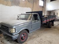 Caminhão Ford F 4000 ano 93