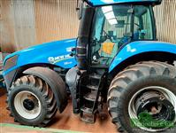 Trator New Holland T8.295 4x4 ano 17