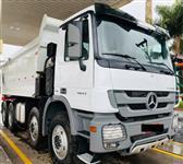 Caminhão Mercedes Benz (MB)  4844 Basculante ano 14