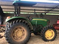 Trator John Deere 5075 4x4 ano 15
