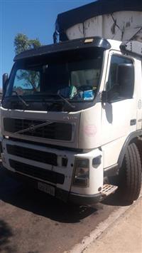 Caminhão Volvo FM 12 420 6x4