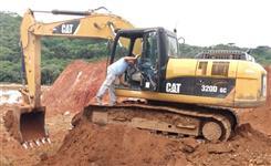 Escavadeira Caterpillar 320D GC  ano 2013