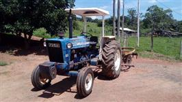Trator Ford/New Holland 6600 4x2 ano 80