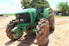Trator John Deere 6415 4x2 ano 09