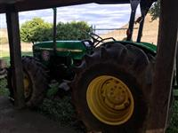 Trator John Deere 5603 4x4 ano 11