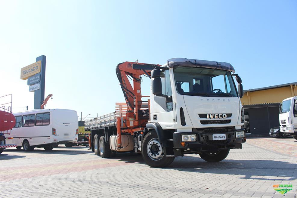 Caminhão Iveco 240E28 ano 14