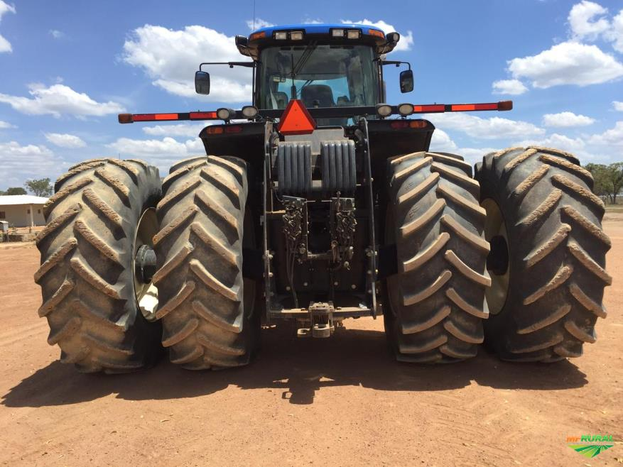 Trator New Holland T9.560 4x4 ano 14