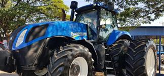 Trator New Holland T8.355 4x4 ano 13