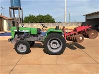 Trator Agrale 4200 4x2 ano 79