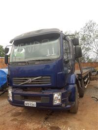 Caminhão Volvo VM260 6x2 ano 11