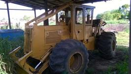Skidder Caterpillar 518C.