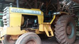 Trator Cbt 8240 4x4 ano 85
