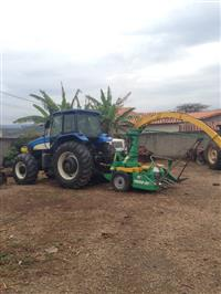 Trator New Holland T 7040 4x4 ano 11