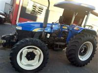 Trator New Holland TT 3840 4x4 ano 12