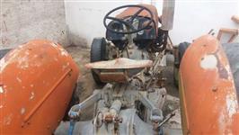 Trator Relíquia Warry Ferguson 4x2 ano 59