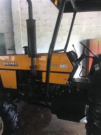 Trator Valtra/Valmet 685 4x4 ano 08