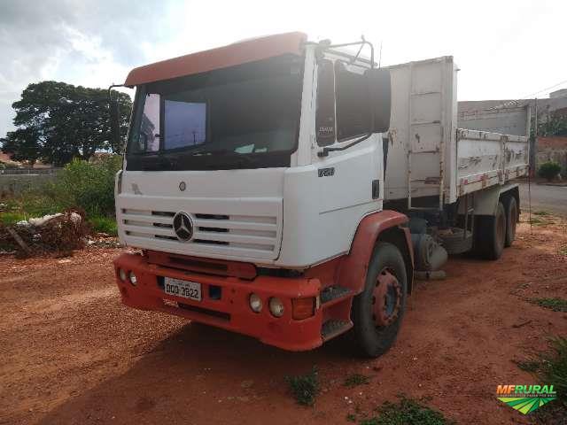 Caminhão Mercedes Benz (MB) MB 1720 ano 06