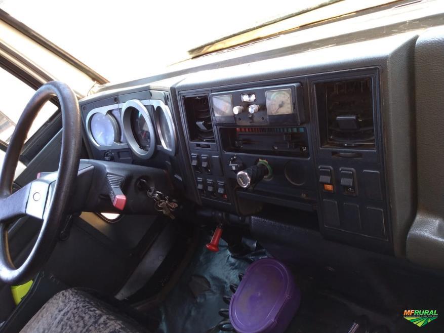 Caminhão Ford C 2422e 6x2 ano 08