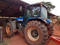 Trator New Holland TS 6040 4x4 ano 13