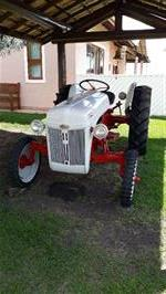 Trator Ford 4x2 ano 49