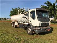 Caminhão Volvo VM 330 6X4 ano 14