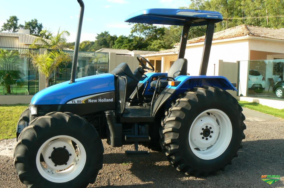 Trator New Holland TL 80 4x4 ano 03