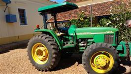 Trator John Deere 5705 4x2 ano 07