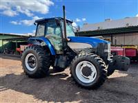 Trator New Holland TM 7010 4x4 ano 12